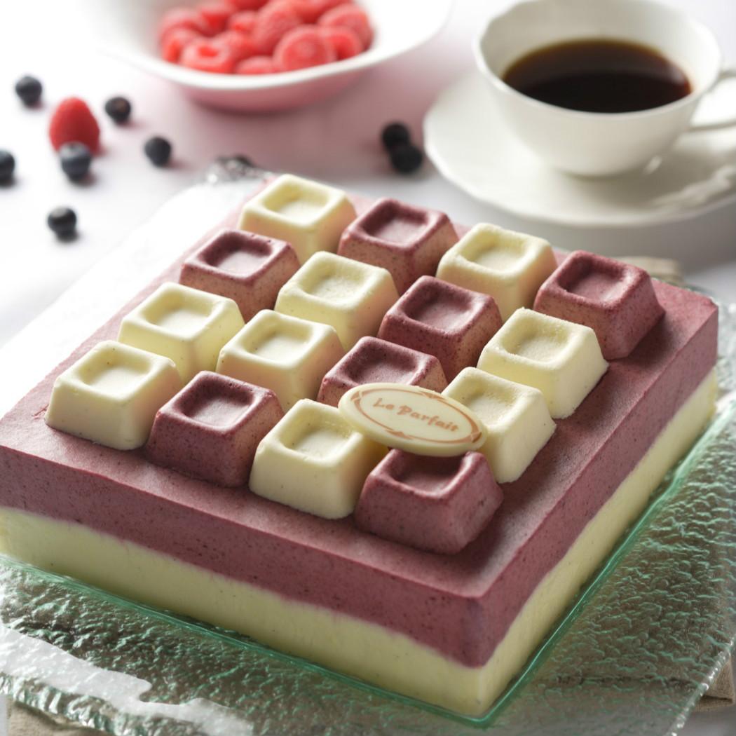 什锦莓白巧克力慕斯 Assorted raspberry White Chocolate Mousse